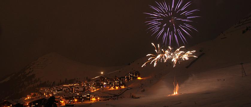 france_paradiski-ski-area_la-plagne_fireworks.jpg